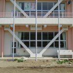 宮城県大郷小学校にて輝く歯モニュメントの設置工事を行いました。