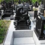 インド産黒御影石にて桜のお花が素敵な洋型墓石が完成!!:多賀城市の寺院墓地