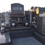 仙台市若林区のお寺様墓地その他にて、文字の追加彫刻と文字の色の入れ替えをいたしました。