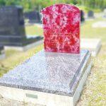 仙台市立いずみ墓園芝墓所に、ピンククラッシュとインド産マハマブルーのガラスの光り墓を新設。透明感ある宝石のようなお墓