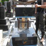 仙台市若林区のお寺様墓地にて、お墓のズレ修理をさせていただきました。墓石専用のボンドを使用してしっかりとした耐震施工