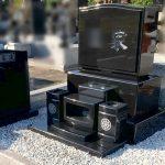 シンプルで重厚感のある、インド産YKD(黒御影石)のお墓を新設。宮城郡松島町の寺院様墓地にて